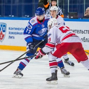 Автограф-сессия с нападающими хоккейной «Лады»
