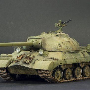 Как сделать копию танка в масштабе 1:35 ? Мастеру- легко!