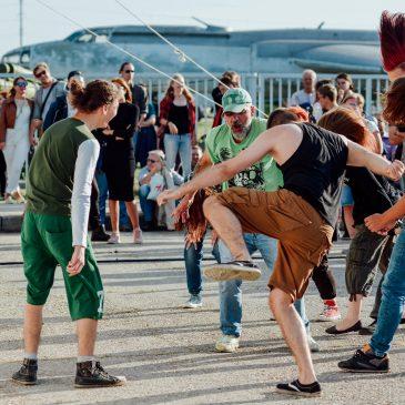 """Входной билет с """"18+"""" на Фестиваль в кубе – 100 руб"""