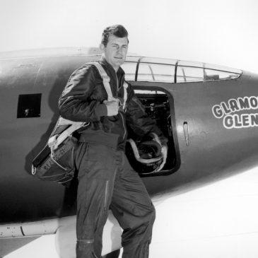 14 октября человек впервые преодолел скорость звука в управляемом горизонтальном полёте