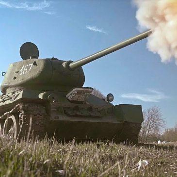 """""""Инопланетянин"""" в Т-34-85"""