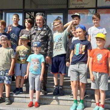 С Днём России!  Поздравляет Герой России  Григорий Кириченко